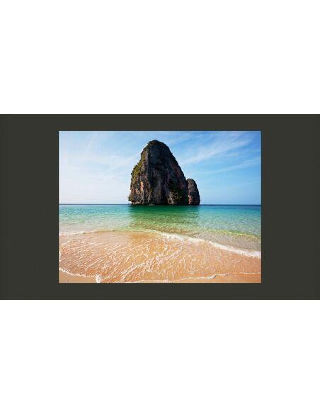 Papier peint ROCK FORMATION BY SHORELINE, ANDAMAN SEA, THAILAND - par Artgeist