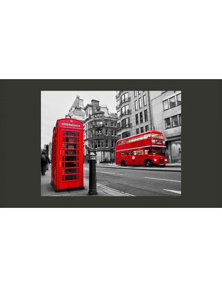Papier peint CABINE TÉLÉPHONIQUE ET BUS ROUGES À LONDRES - par Artgeist